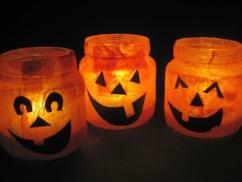 Old glass jar jack-o-lanterns: https://lecoindemel.com/upcycled-halloween-lanterns-10-minute-crafts/