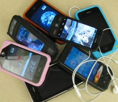 pile-of-cell-phones-sm